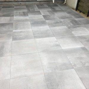 terra-tops-60x60x5-cm-grijs-zwart-directtuinshop-terrastegels