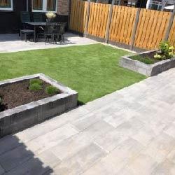tuin-sierbestrating-kunstgras-voorbeeld-directtuinshop-01