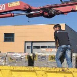 Transport-sierbestrating-kunstgras-beton-schutting-directtuinshop